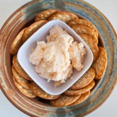 Horseradish Cheddar Spread
