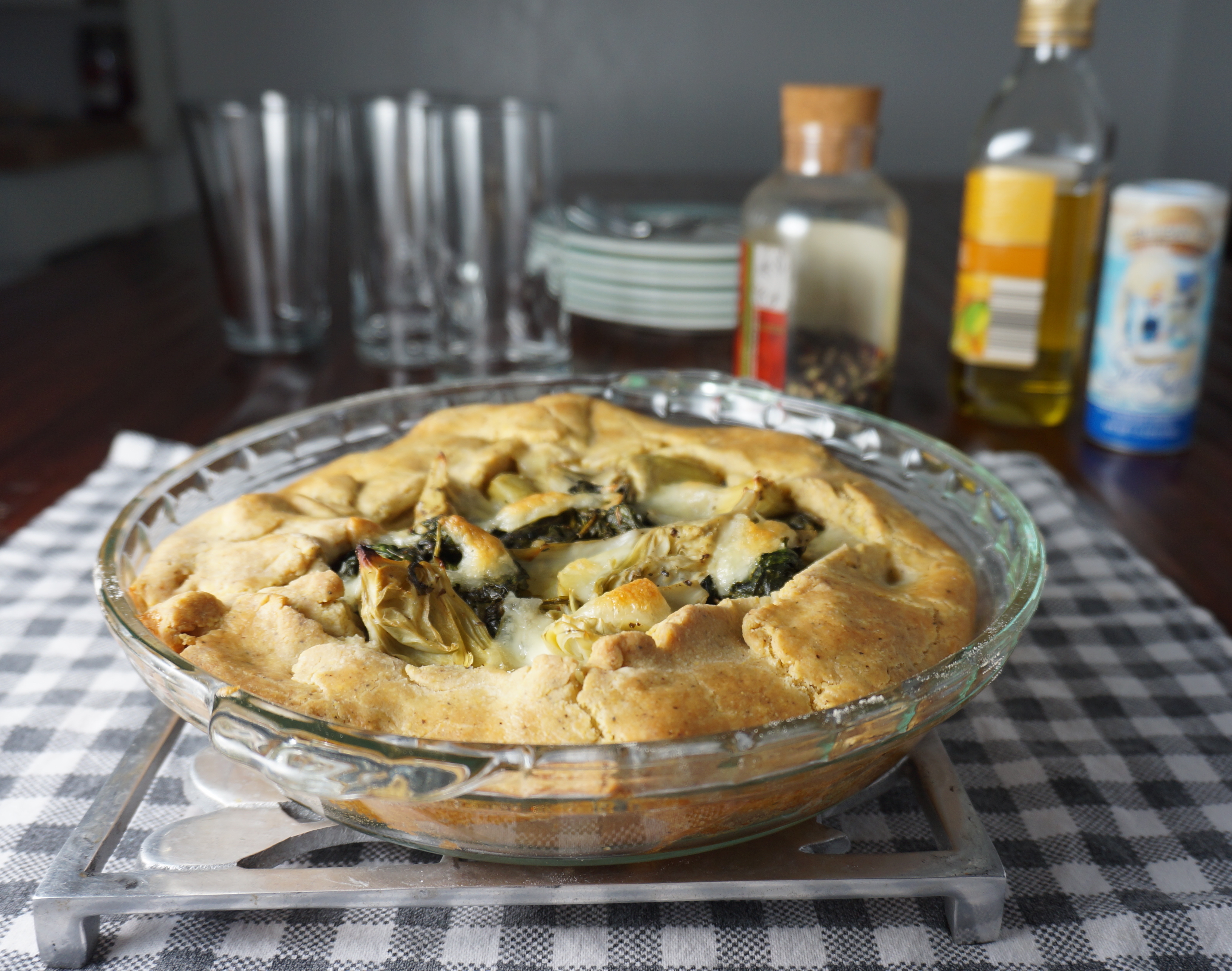 Savory pie - spinach, artichoke and mozzarella
